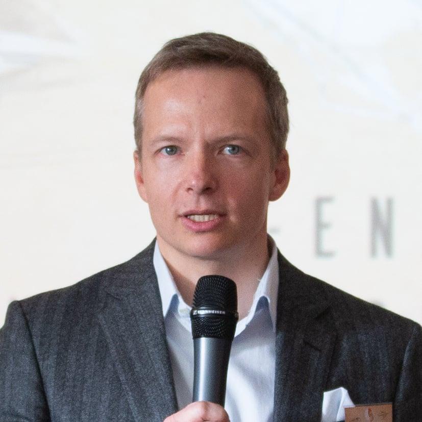 Prof. Dr. René Rohrbeck